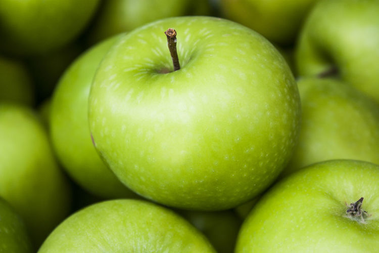 Close-up of granny smith apples