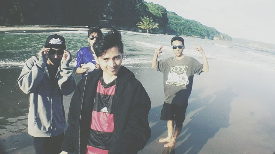 On The Beach Hanging Out Exploreindonesia Pantai Sine Tulungagung 🙌🙌👀