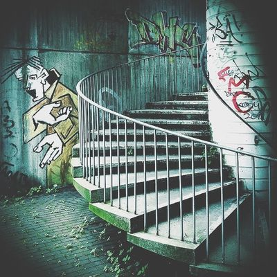 Klaus Paier in Cologne ! Street Art vs. The World Needs More Spiral Staircases