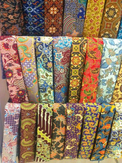 Kain Batik Traditional Colors