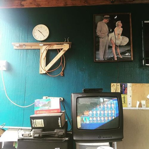 Waiting to get my car fixed Garagetv Marilynisthere LAweather Tvdoesnojustice