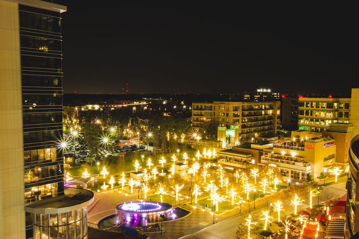 Walking around my home town and shooting some some stills. Long Exposure Longexposure Market Square Market Street Nightphotography Starburst The Woodlands The Woodlands Texas