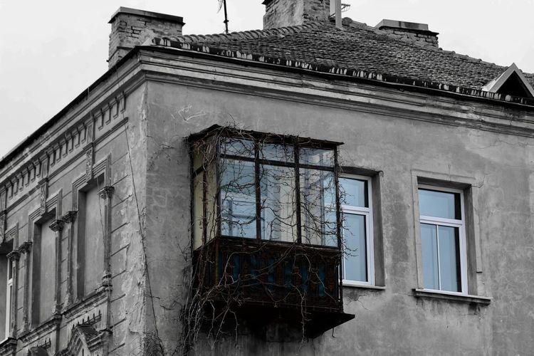 Casa abandonada House Whiteandblack Vilnius Lithuania Canon Canonphotography Canon_photos Photographer Photography Fotografia Fotography Fotografo
