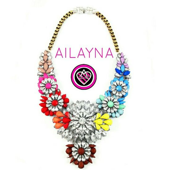 I am selling this. Readystock. Leave your comments down below for me to get back at ya Statementnecklace Jewellery Box