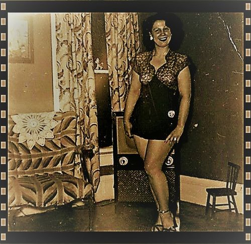 Classic Beautiful Woman Beauty Fashion One Person Standing
