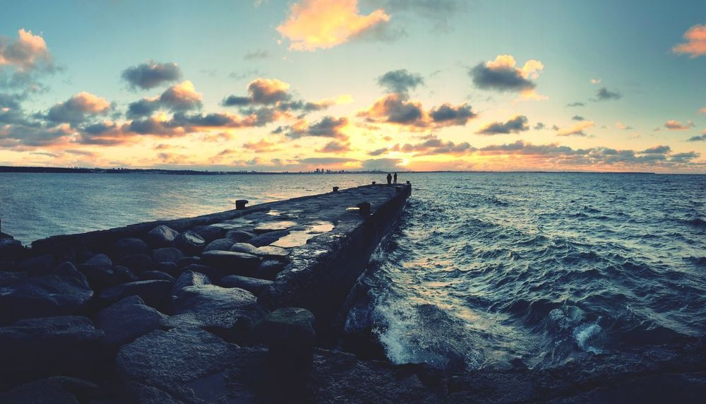 Water Sea Sky Scenics - Nature Horizon Cloud - Sky Horizon Over Water Beauty In Nature Sunset Beach Tranquil Scene Tranquility Outdoors Rock Nature