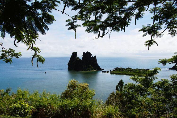 Poule de hienghene Beach New Caledonia Hienghene Poule Couveuse New Caledonia Sea Hienghene Poule De Hienghene
