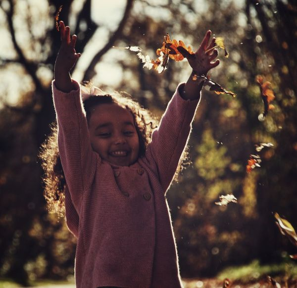 Niklas Storm Okt 2018 Preschooler Autumn Collection Autumn Fall Child Tree Childhood Happiness Smiling Girls Leaves Change A New Beginning