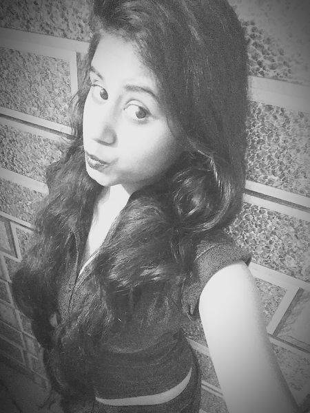 Black And White Photography Black And White Portrait Big Eyes Selfie ♥ Love ♥ Amazing Check This Out Thats Me ♥ Short Top Perfect At My House <3