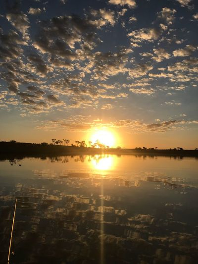 Pôr do Sol 🌅 Pôr Do Sol 🌅 Sunset Sky Water Scenics - Nature Beauty In Nature Reflection Tranquility Orange Color Tranquil Scene Cloud - Sky Sun Lake Nature Outdoors Non-urban Scene No People Waterfront Sunlight Silhouette Idyllic