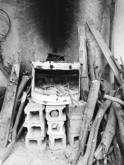 prendiendo la leña Humildad Humilde Mexico Matamoros Tamaulipas Home Improvement DIY Damaged Abandoned Architecture