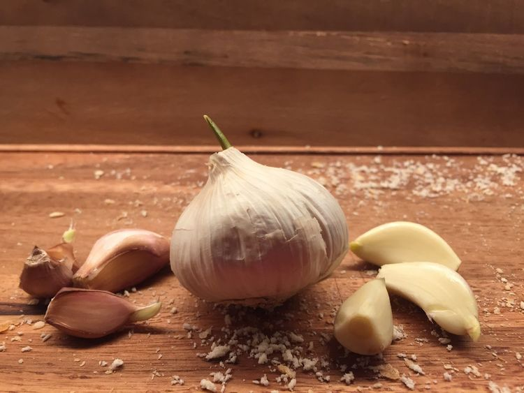 Cooking.. have a great fridayevening. Taking Photos Taking Pictures Garlic Bulb Bulbs Healthy Food Spices Eye4photography  Wood Material Chopping Food And Drink Table Still Life Freshness Indoors  Garlic Healthy Eating Raw Food Vegetable Garlic Bulb Ingredient No People Close-up Day