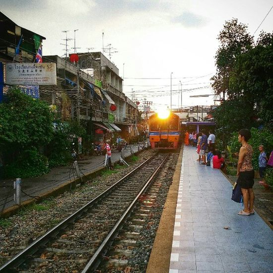 First time here! Train Station Sunset Shining Railway Bangkok Evening Thailand Xiaomi Mi4 Igoftheday
