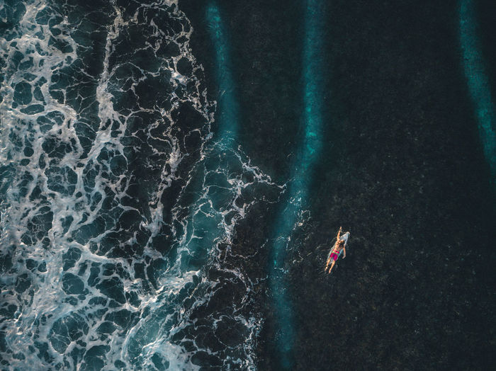 Surfer paddling over reef leaving the safe zone Surf Surfer Action Action Sports Adventure Bliss Blue Water High Angle View Nature Ocean One Person Outdoors Paddling Peaceful Real People Reef Sea Surf Photography Surf Wallpap Surfers Surfing Swimming Water Waterfront Wave The Great Outdoors - 2018 EyeEm Awards Be Brave