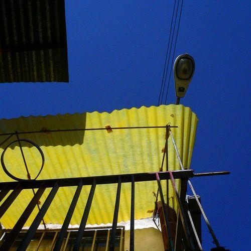 آسمان  آسمان_آبی رنگ عکاسی آبی زرد