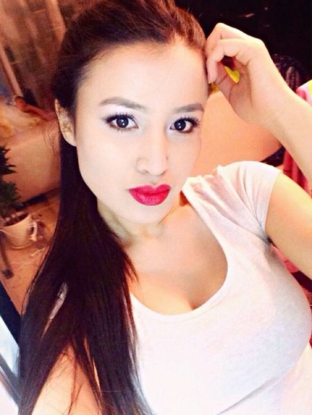 That's Me Enjoying Life Taking Photos Red Lips Eye4photography  Hello World Asian  Girl Happy
