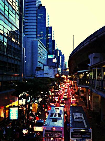 Traffic LIVE@Silom Road