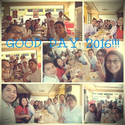 HAPPY 2016: Yesterday's breakfast at long table. 🍳🍴🍔🍟🍗🍝🍛🍦😄😁 Wackiestmorning Peskies Surgeryobicusicuona Breakfast PlainHappiness