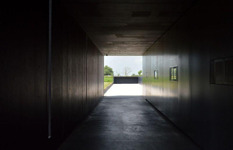 Architecture Built Structure Contrast Dark Empty Enjoying Life Lightattheendofthetunnel Memorial
