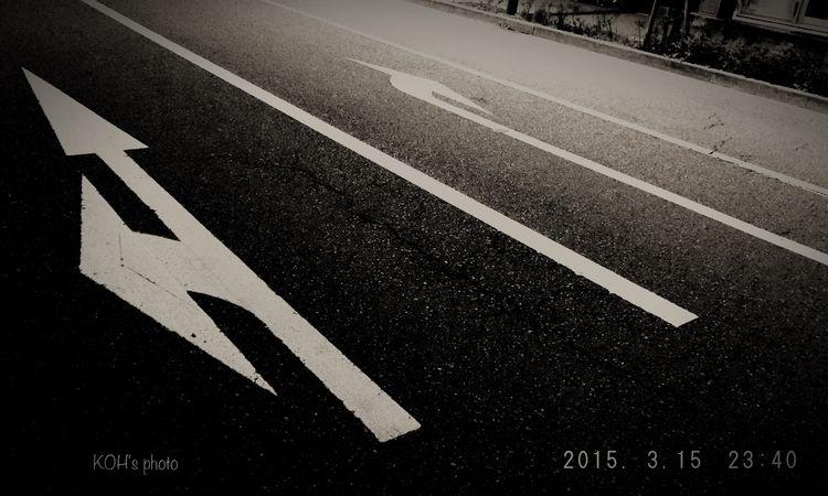 Streetphotography Street Photography Monochrome …選択肢がこれ位明確なら楽なのに