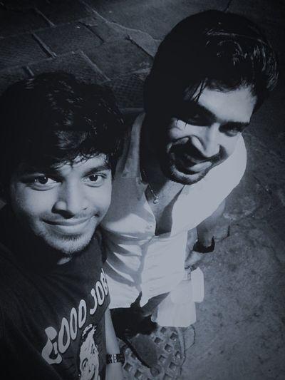 Vetti pose wit Arunvijay Arunvijay Ennaiarindhal Thala Ajith Vetti Pose 3lok Thrilok