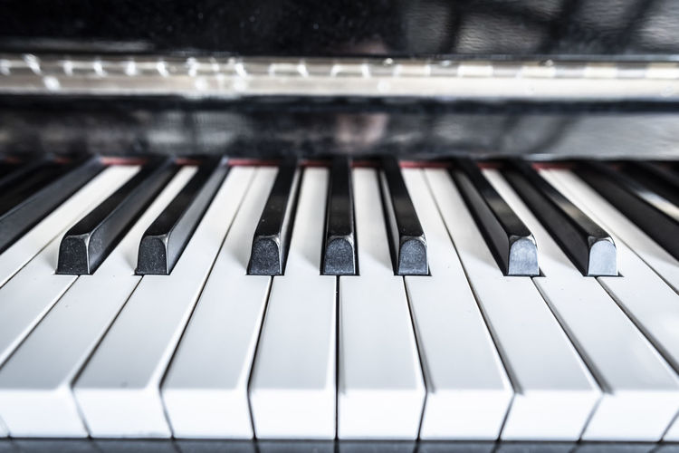 Music Musical Equipment Piano Key Piano Musical Instrument Arts Culture And Entertainment Close-up No People Black Color White Color Keyboard Instrument Indoors  Keyboard High Angle View Technology Pattern Full Frame Studio Control Focus On Foreground