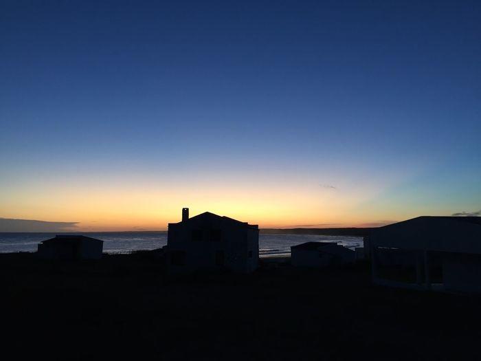 'Hay gente que es de un lugar, no es mi caso. Yo estoy aquí, de paso.' Uruguaynatural Cabopolonio Rocha Sunset Beachphotography Uruguay Drexler