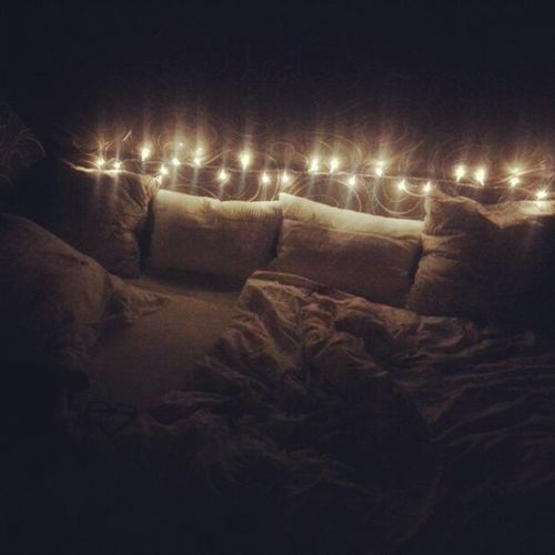 Aufeinenruhigenabend Lichterkette Lieblingsbett Goodnight :-)