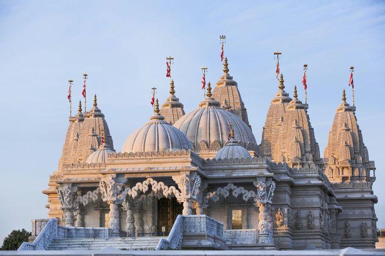 Exterior of neasden temple against sky
