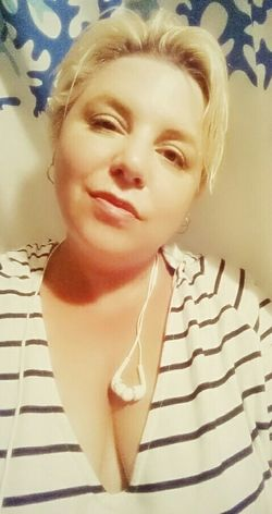 Hot summer days....love them! Feeling beautiful. ☺😆 Eyeem Real Project Happy Prairie Girl Canadian That's Me JustMe Curvygirls Cheese! Beauty Canada, Eh?