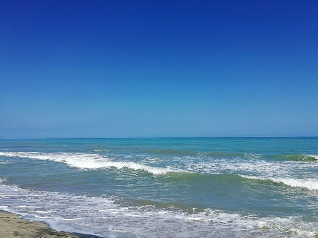 Sea Beach Horizon Over Water Blue Water Scenics Clear Sky Tranquility Beauty In Nature Wave Outdoors Sky EyeEmNewHere Tranquil Scene Nature Day Travel Destinations No People