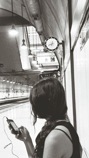 Tren Esperando Blanco Y Negro