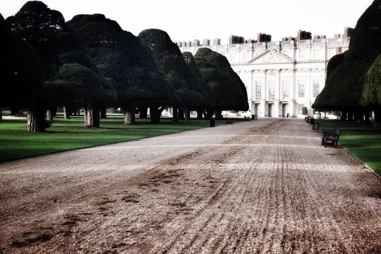 Hampton Court Gardens Architecture History Built Structure Building Exterior Outdoors Hampton Court  Hamptoncourtpalacegardens EyeEm Gallery EyeEm Nature Lover Canon_official EyeEmNewHere Nature_collection Canon_photos Canonphotography Eye4photography  London Photography London EyeEmNewHere