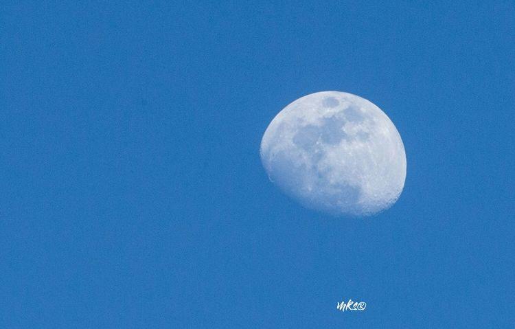 Moon View Beautiful Beauty In Nature EyeEm Best Shots Moon Astronomy Full Moon Moon Surface Planetary Moon Night Blue Half Moon Sky Moonlight Discovery
