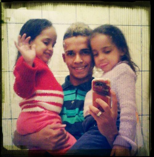 Eu e minhas princesinhas que amo! Belly E Dora ♥