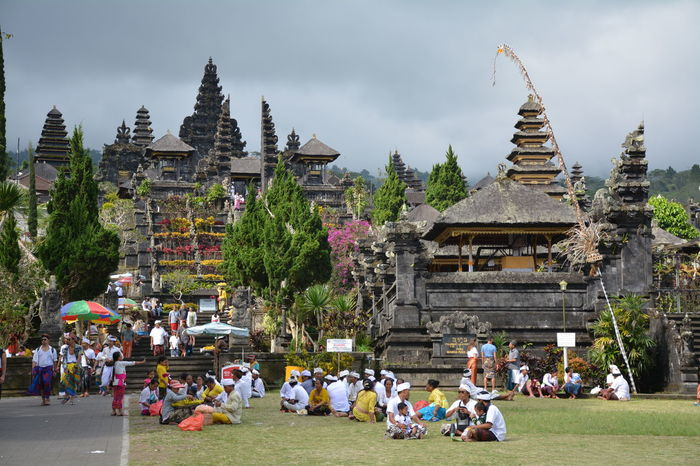 Hinduism Hindu Temple Religion Large Group Of People Architecture Pagoda Tourism Spirituality Travel Destinations History Travel Real People People Outdoors Day Building Exterior Bali Bali, Indonesia Baliphotography Besakih Temple EyeEmNewHere Connected By Travel ASIA Asian Beauty Temple - Building