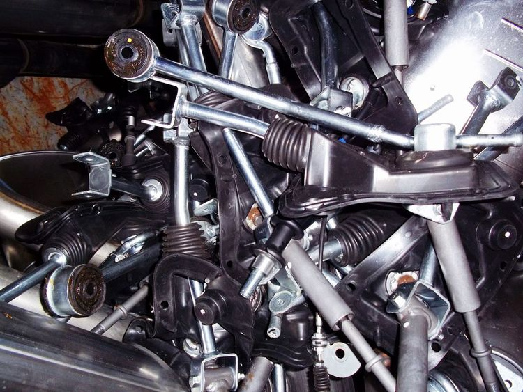 Recycle bin car parts metal bars metal parts