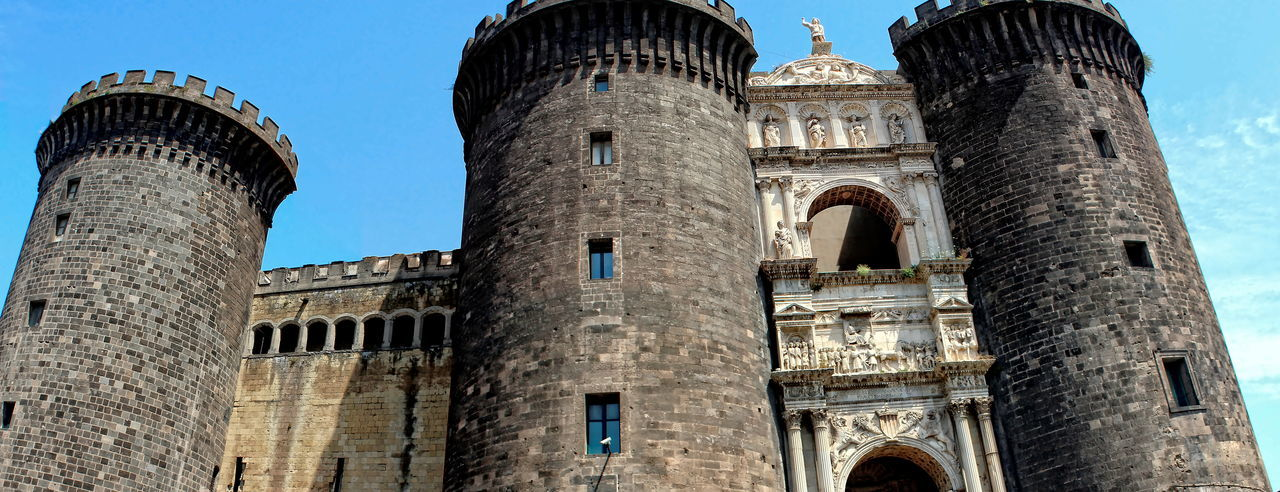Architecture Building Exterior Castello Rinascimentale Centro Storico Di Napoli Fortezza History Low Angle View Maschio Angioino Museo Civico Napoli No People Outdoors Piazza Municipio Sky Travel Destinations