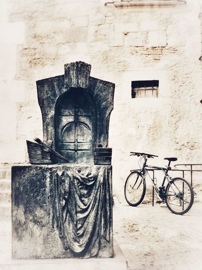 Old-fashioned Paper Sketch No People Outdoors Day Monochrome Enjoying Life Landscape Taking Photos Capturemoment Relaxing Vintage Moments Capture Moment Gironamenamora Somosfelices Streetart Street Photography TheVille Onlyblackandwhite Black & White Monochromatic Monuments Monochrome_life