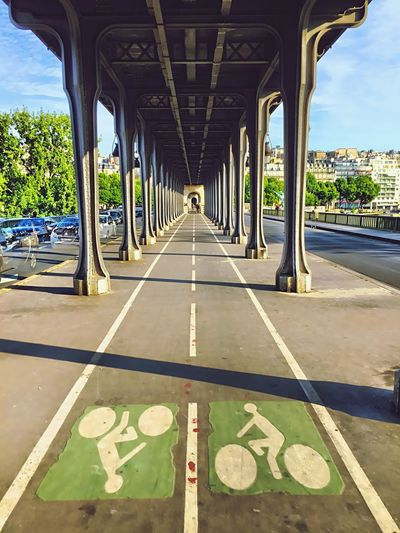 Paris Pont De Bir-hakeim Architecture Lines Power Lines Bridge Perspectives The Places I've Been Today Check This Out
