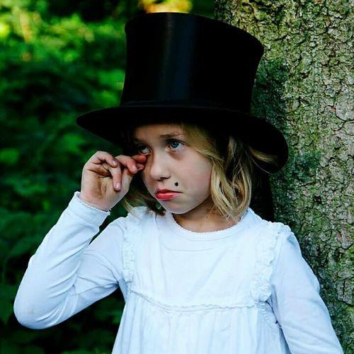 Hello World Cheese! Hi! Kind Of GreenKinder Kind Hut Wald Portrait Portrait Of A Kid Kids Kidsphotography Hut