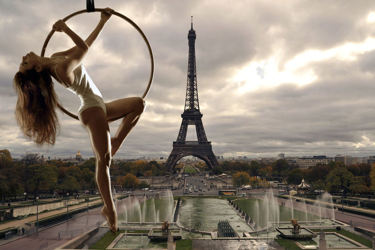 Aerial Acrobatics Outdoors Legs Model Paris, France  Beautiful Woman Paris ❤ Paris Aerial Hoop Aerial Acrobatics  Acrobatic Eiffel Tower Eiffel Tower♥ Eiffel_tower  Modelgirl Woman The Creative - 2018 EyeEm Awards