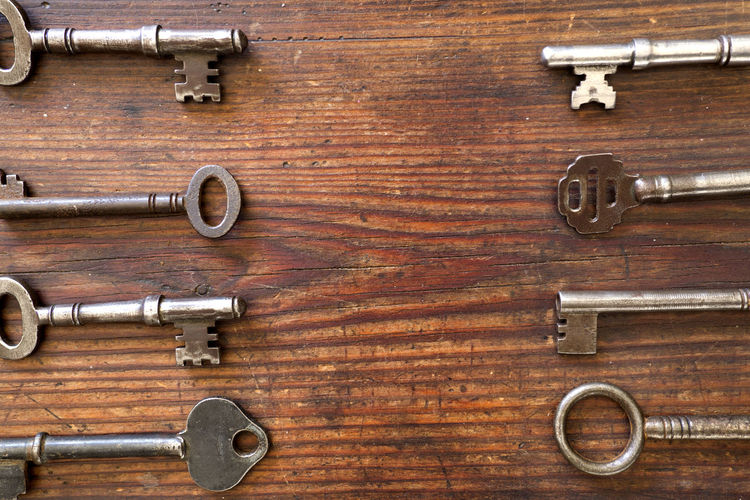 Architecture Keys Accessories Flat Lay Indoors  Key Metal No People Old Wood - Material