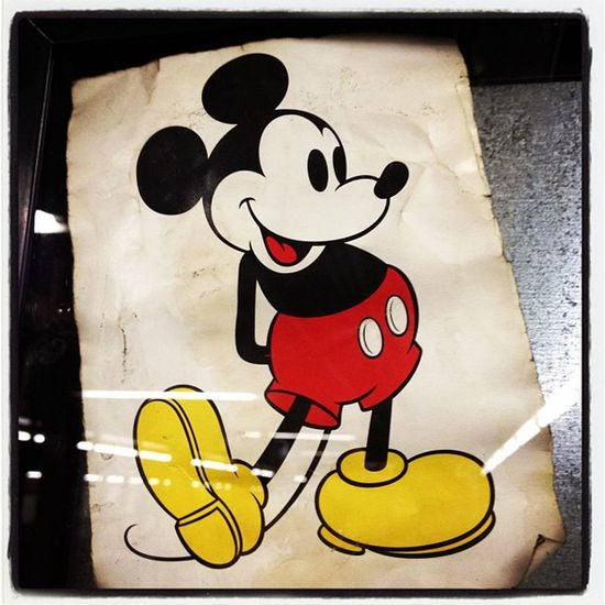 #MickeyMouse waiting on the downtown A platform #PennStation #NYC Pennstation Mickeymouse NYC