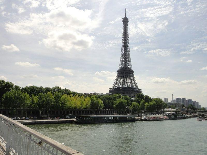 Tourists Being A Tourist Eiffeltower Tour Eiffel Eiffel Tower La Tour Eiffel Paris Paris ❤ River Seine Landscape_Collection