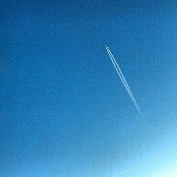 Chemtrails Mid Air Racing 34000ft above Tennessee