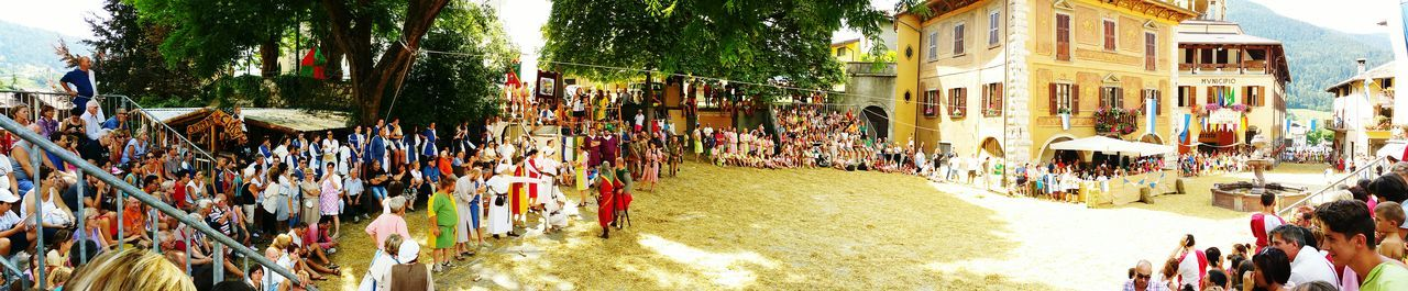 Exibition Medieval Party Palio Mountain Summer Holidays Competition Family Panoramic View Shooting With Samsung Galaxy Note 4 - Palio di San Martino, Borno, Italy