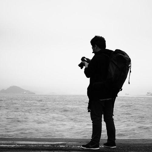 : 好想有一日 可以乜都唔洗理 揹起背囊 拎起相機 去歐洲旅行 Waiting to explore Europe Shot by @rickyting With Canon EOS 70d + EF 40mm f/2.8 STM Hkig HongKong Blackandwhite Nyctophilia Ombrophile Pbhk Milkfoto Discoverhongkong VSCO Vscocam Vscohongkong Vscoexpo Vscogood Hk2015 Shoot2kill Picoftheday Photooftheday Instameethk Photographer Instagrampier