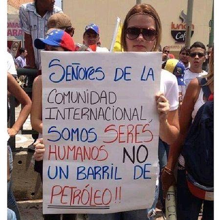 Para q el Mundo se entere a RT RT RT VenezuelaSomosTodos Venezuelaunida GochisArrechos GuarosArrechos ValenciaArrecha ZulianosArrechos ElQuePerceveraVence VenezuelaMuereTuCallas SiSePuede