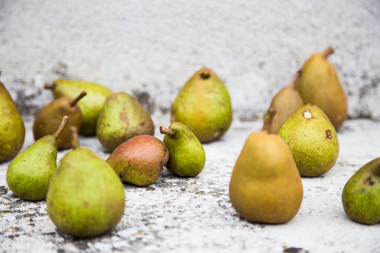Still life of pears Abstract Bokeh Bulb Close-up Depth Of Field Fine Art Food Food And Drink Freshness Fruit Full Frame Green Color Healthy Healthy Eating Live Living Low Angle View Macro Minimal Pattern Pear Pear Fruit Pears Still Life Structure